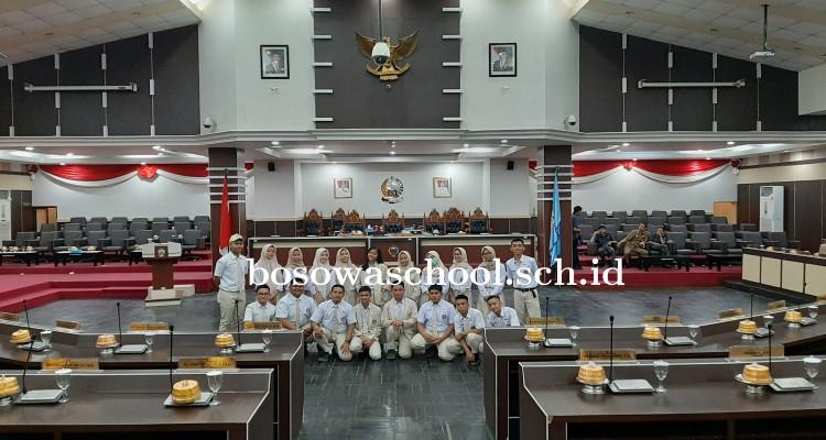 Siswa Siswi SMA Bosowa School Kunjungan Belajar di DPRD Sulsel