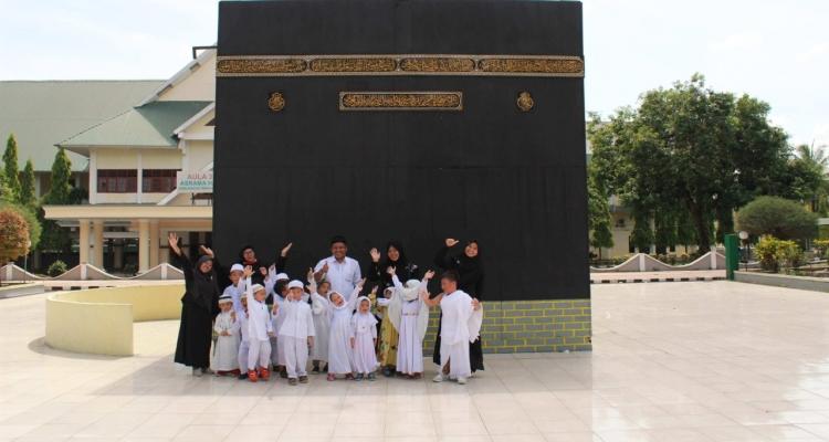 Pendalaman Agama Sejak Dini, Sekolah Alam Bosowa Adakan Praktik Manasik Haji